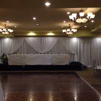 pipe-drape-with-head-table